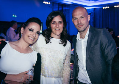 Gila Pfeffer and Sara King with Freddie Ljungberg